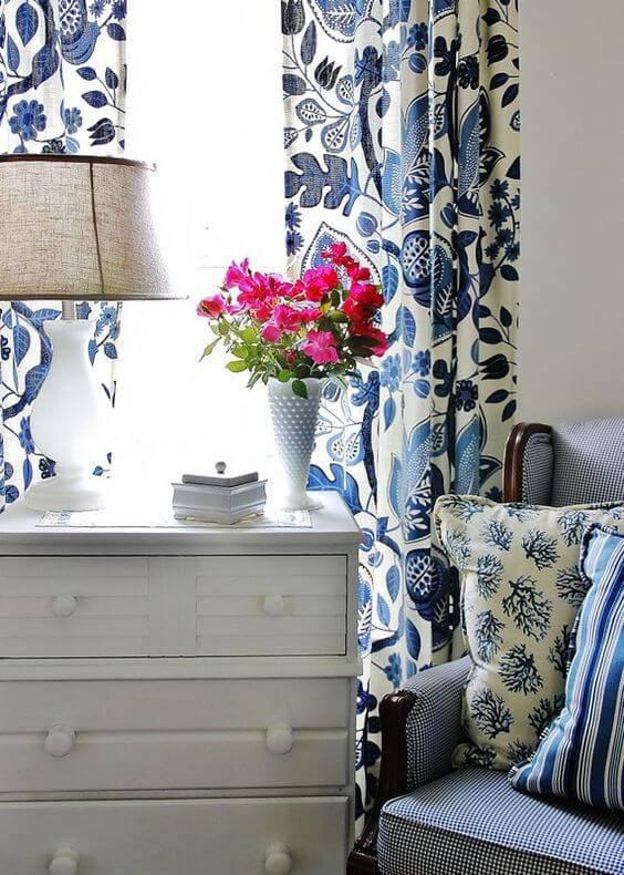 azulejo portugues cortina e almofadas decoracao
