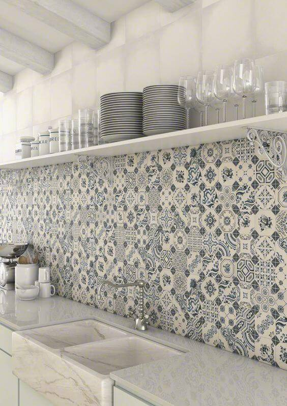 azulejo portugues cozinha branca