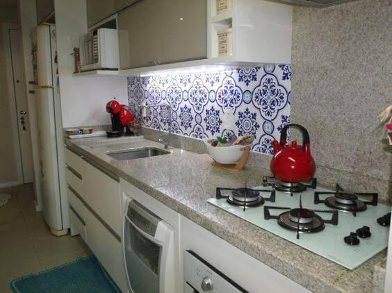 azulejo portugues cozinha com adesivo