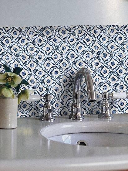 azulejo portugues delicado banheiro