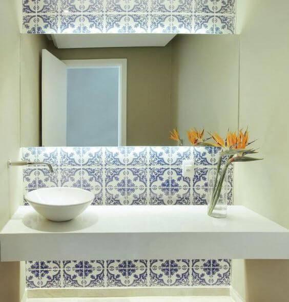azulejo portugues lavabo revestido