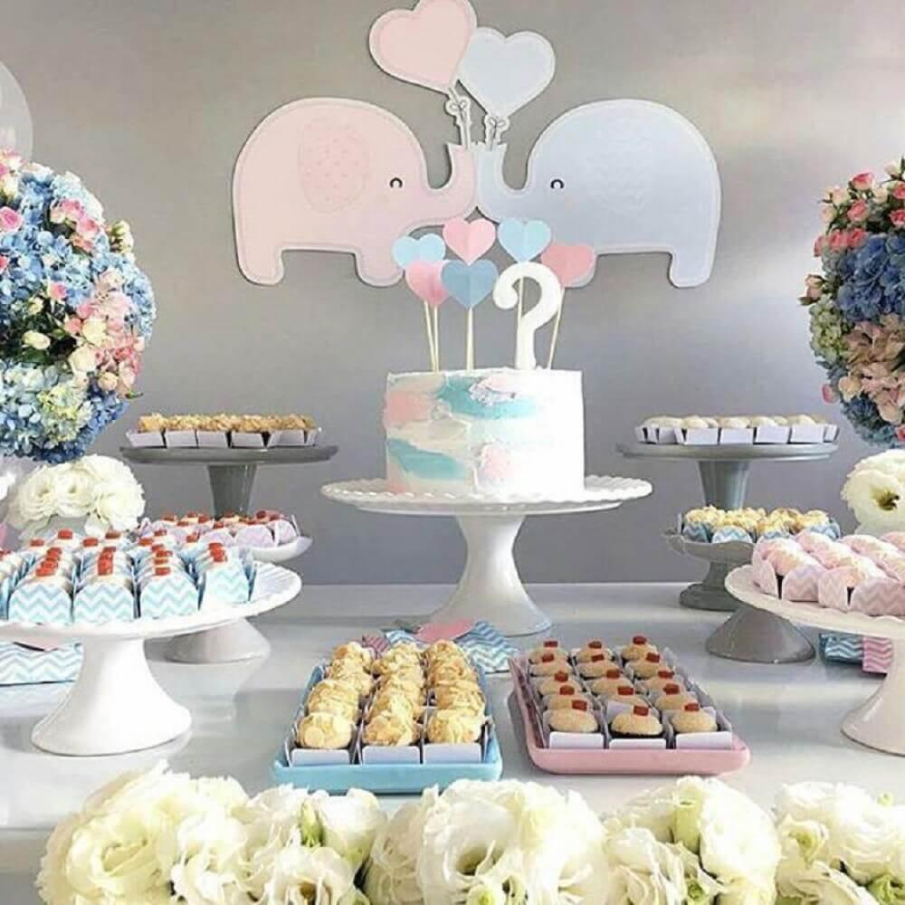 chá de bebê revelação com tema elefantinho cinza e rosa Foto Pinterest