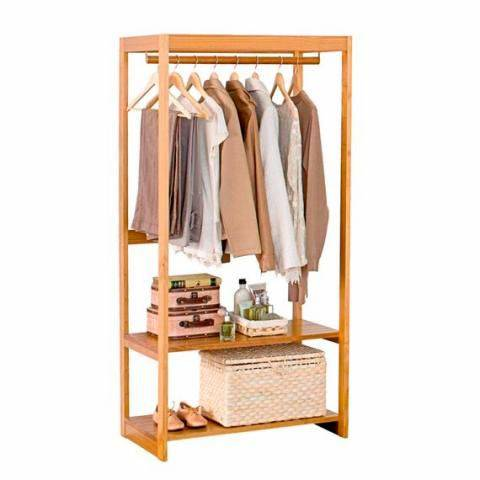 closet pequeno e barato com poucas roupas