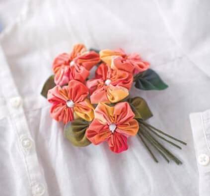 como fazer fuxico aplique em roupas