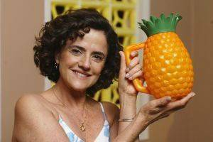 decoração dos anos 90 - jarra de abacaxi dona nene
