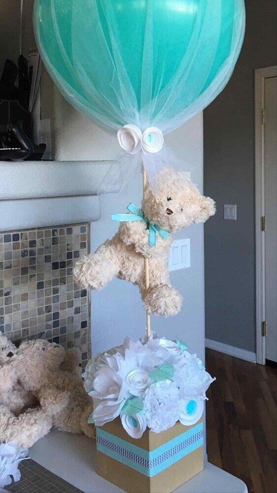 decoração para chá de fralda com ursinho de pelúcia e balão verde Foto Baby Shower