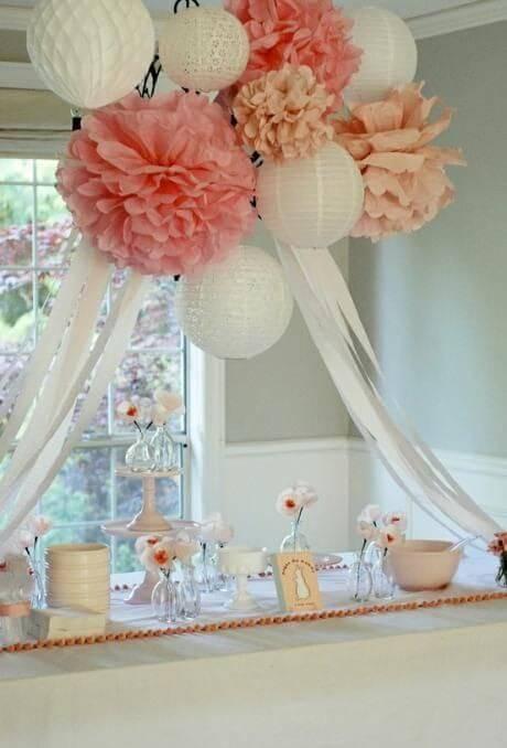decoracao de festa delicada com flores