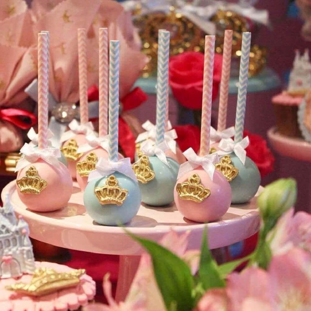 docinhos para chá de bebê com coroa de princesa Foto Ada Costa Averbeck