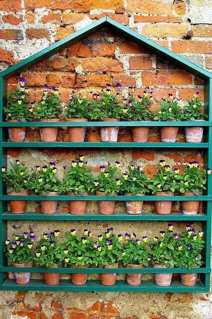 jardim suspenso casinha de madeira