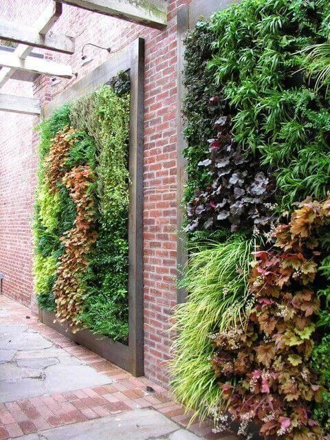 jardim suspenso em parede alta