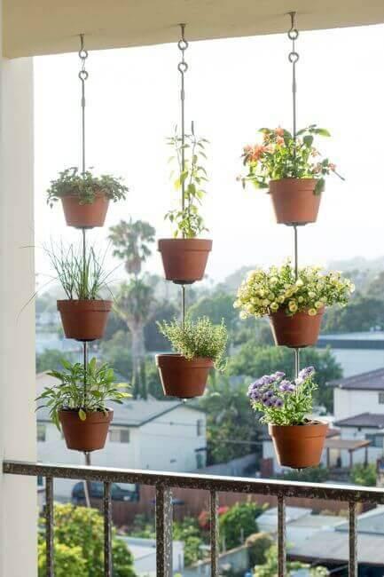 jardim suspenso maranda com vasos