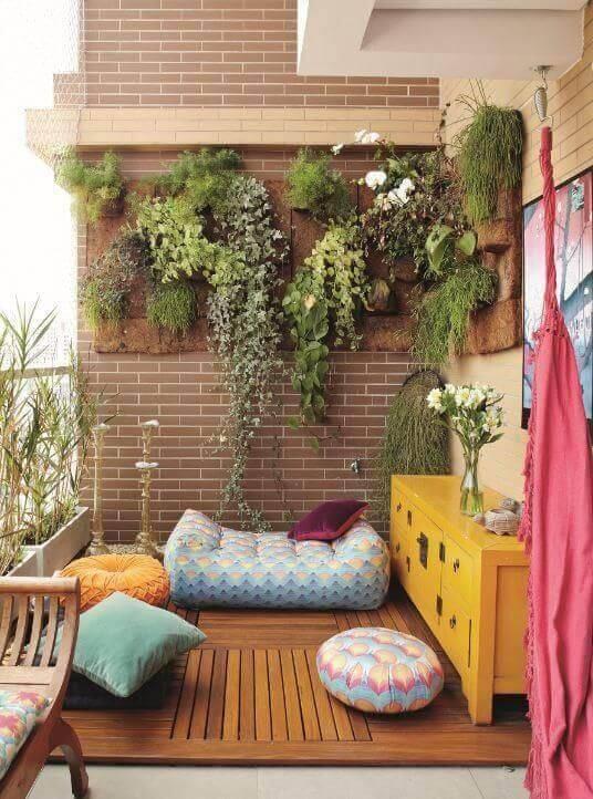 jardim suspenso varanda aconchegante e colorida