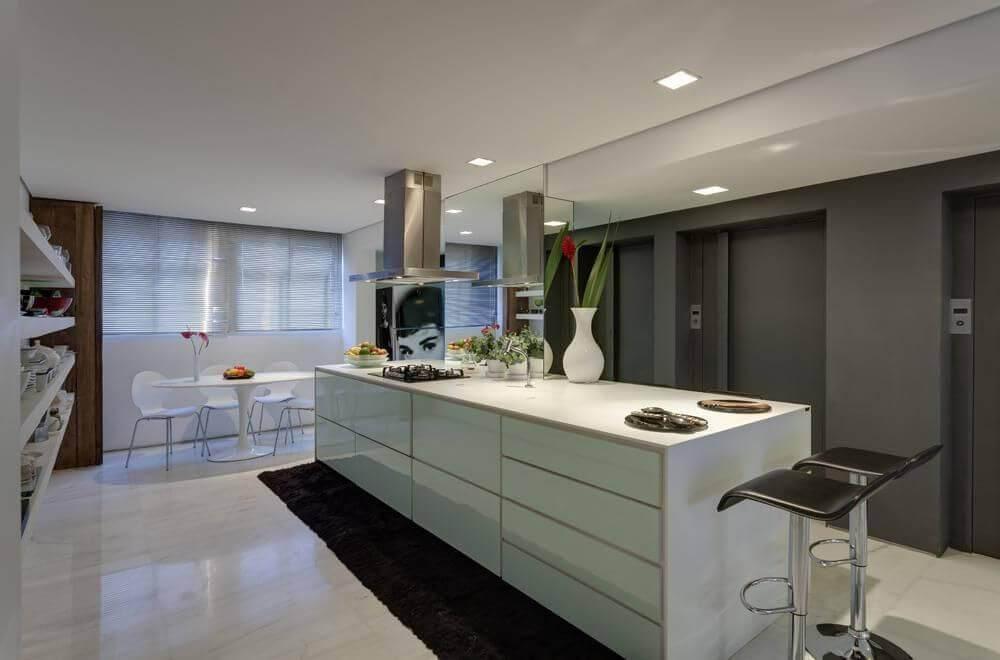lampadas de led cozinha com balcao branco denise macedo 8177