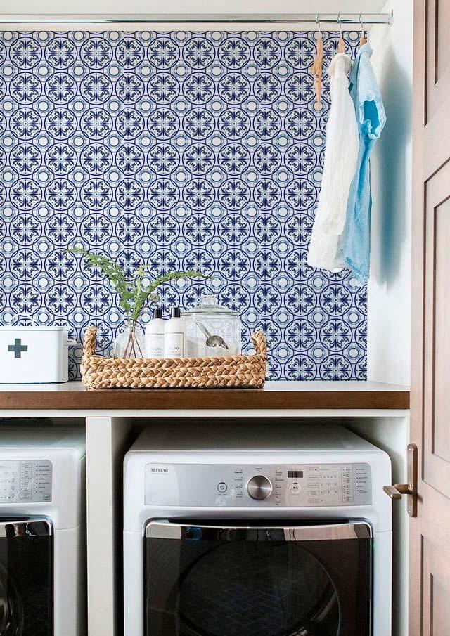 Lavanderia com azulejo português