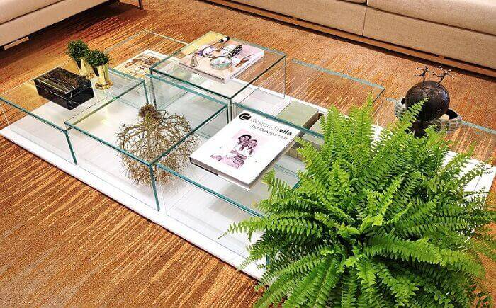 Mesa de centro feita em vidro