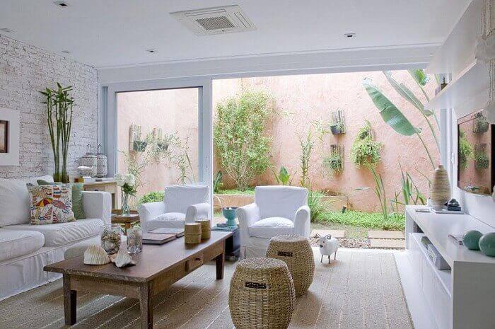 mesa de centro retangular madeira sala de estar com jardim marilia veiga 3965
