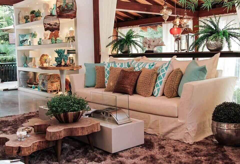 Mesa de centro rústica encanta a decoração