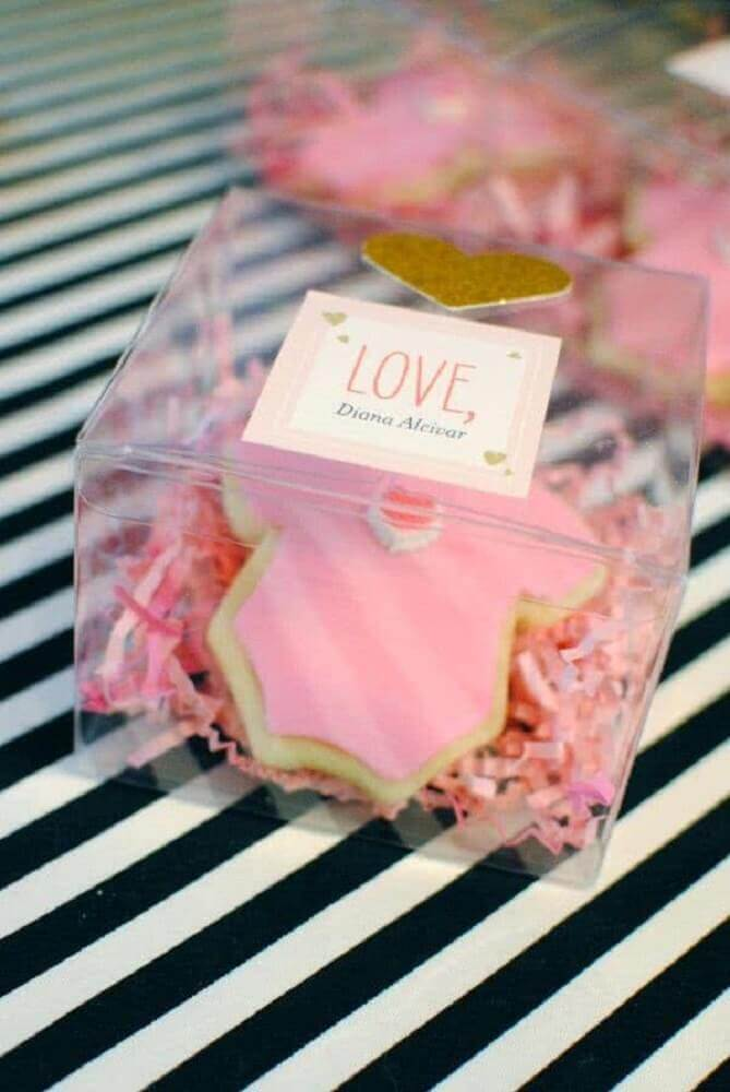 model of baby tea souvenirs in acrylic box Photo Pinterest