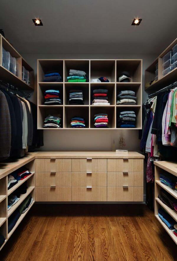 Modelos de closet pequeno em L planejado