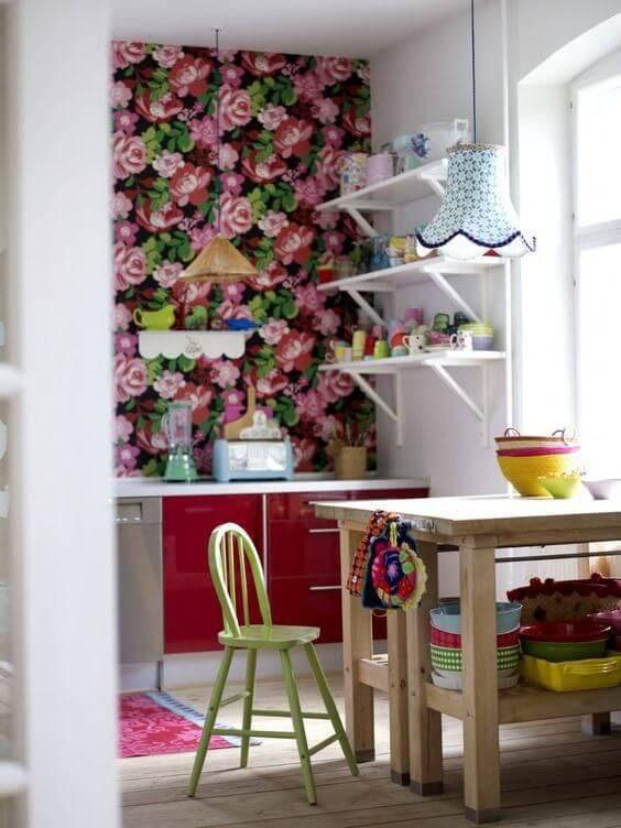 papel de parede para cozinha florido rosa e vermelho