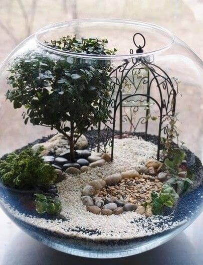 terrario em vaso redondo caminho de areia
