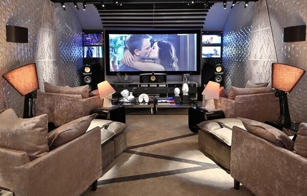 Tela gigante para sala de cinema