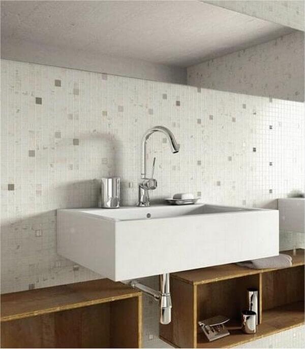 Revestimento para banheiro com espaço limitado