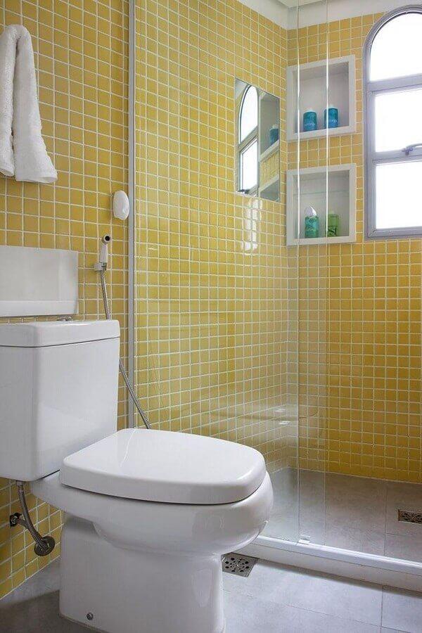 Revestimento para banheiro em amarelo