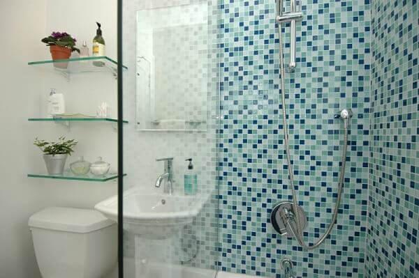 Revestimento para banheiro pastilhas azuis