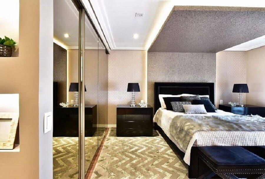 apartamento decorado com quarto de casal planejado sofisticado Foto Tetriz Arquitetura