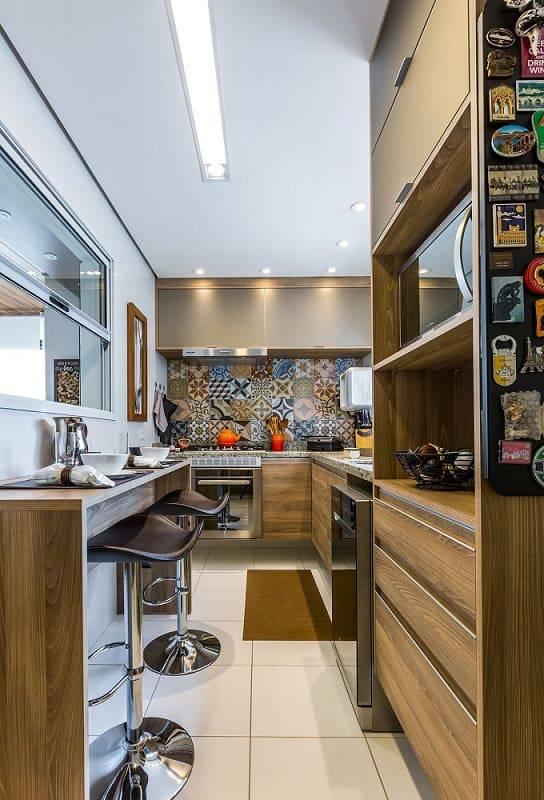 apartamento decorado cozinha pequena com banqueta by arquitetura 146118