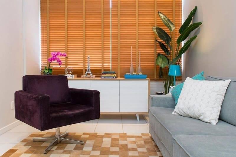 apartamento decorado sala de estar com poltrona e buffet marcelo bastos 1471