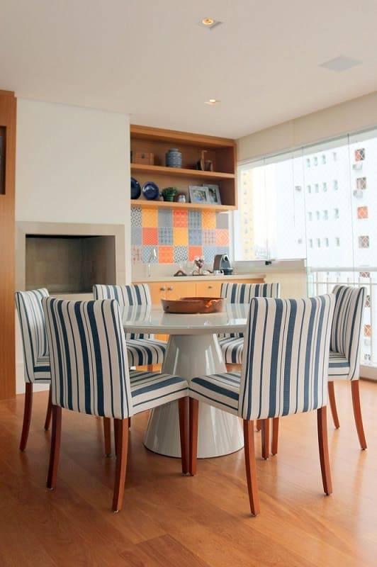 apartamento decorado varanda gourmet com mesa listrada ark2 arquitetura 78260
