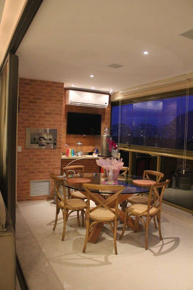 apartamento decorado varanda gourmet com mesa redonda b+l arquitetura interiores 101340