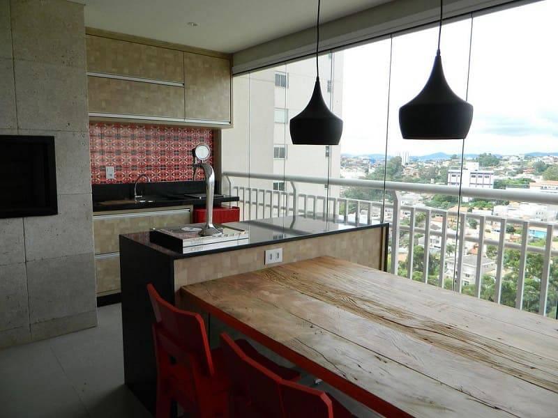 apartamento decorado varanda gourmet com mesa rustica adriana victorelli 34796