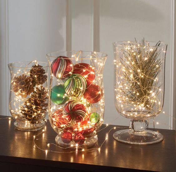arranjos de natal para mesa bolas e luzes pequenas