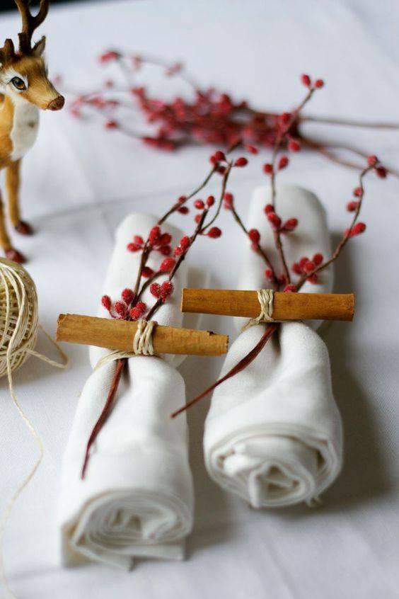 arranjos de natal para mesa galhos de planta