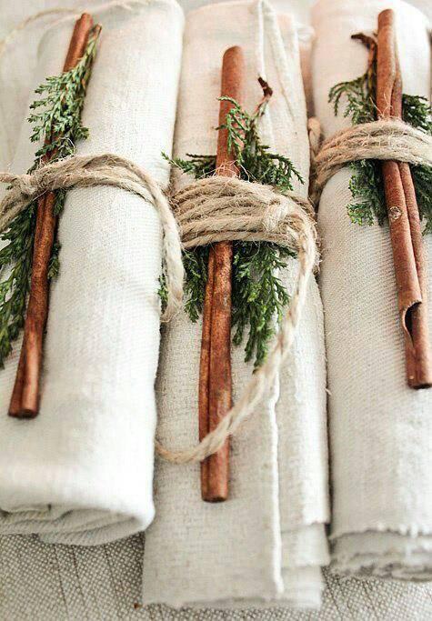 arranjos de natal para mesa guardanapos com canela