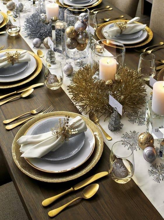 arranjos de natal para mesa prata e dourado