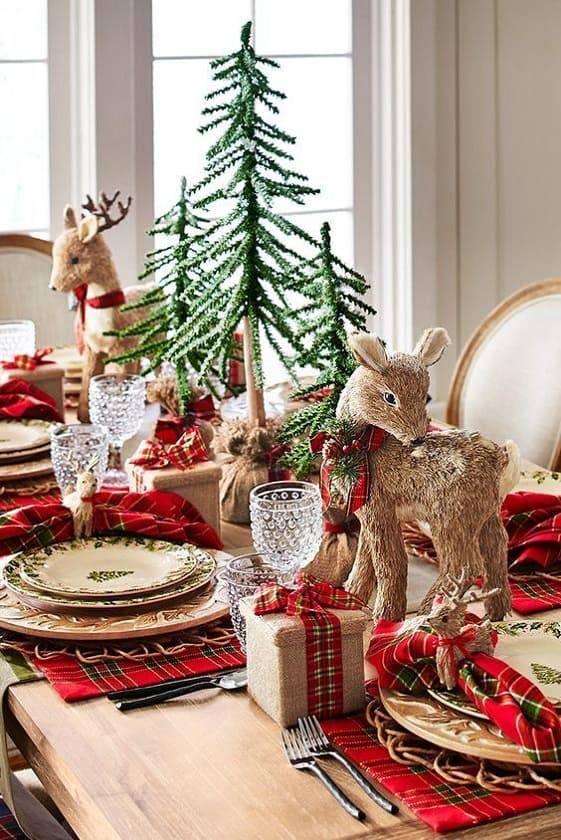arranjos de natal para mesa renas e presentes