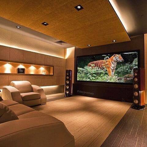 cinema em casa com iluminacao