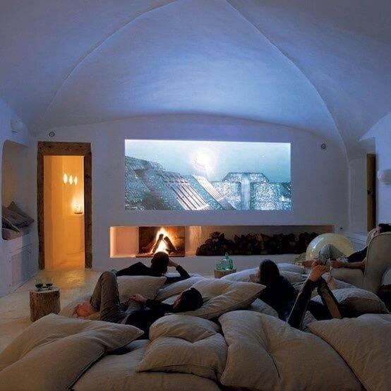 cinema em casa sala com almofadas