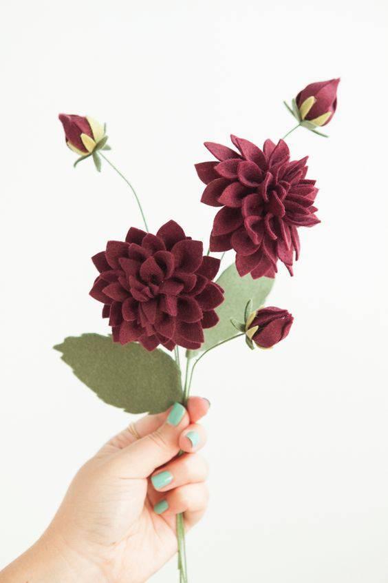 como fazer flor de tecido dalia com folhas