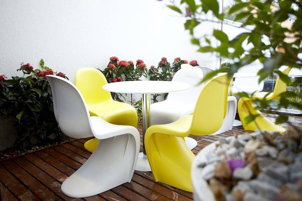 moveis para jardim branco e amarelo eliane mesquita 74173