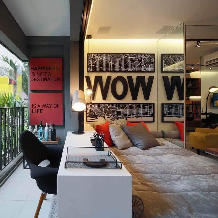 quarto de apartamento decorado com bancada de estudos Foto Foto Futurist Architecture