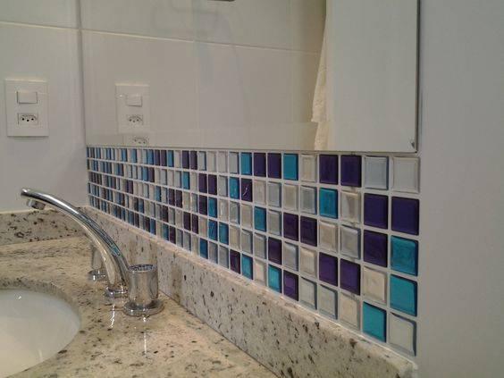 revestimento para banheiro pastilhas adesivas torneira