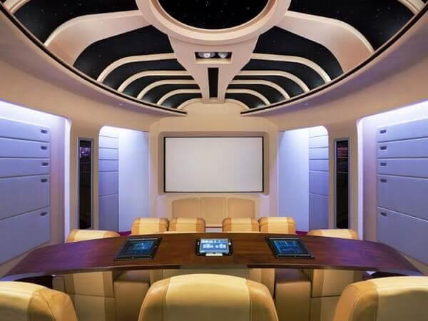Decoração peculiar para a sala de cinema