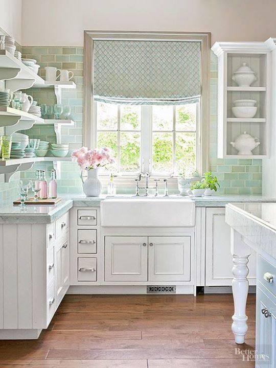 tons pasteis cozinha com azulejo verde