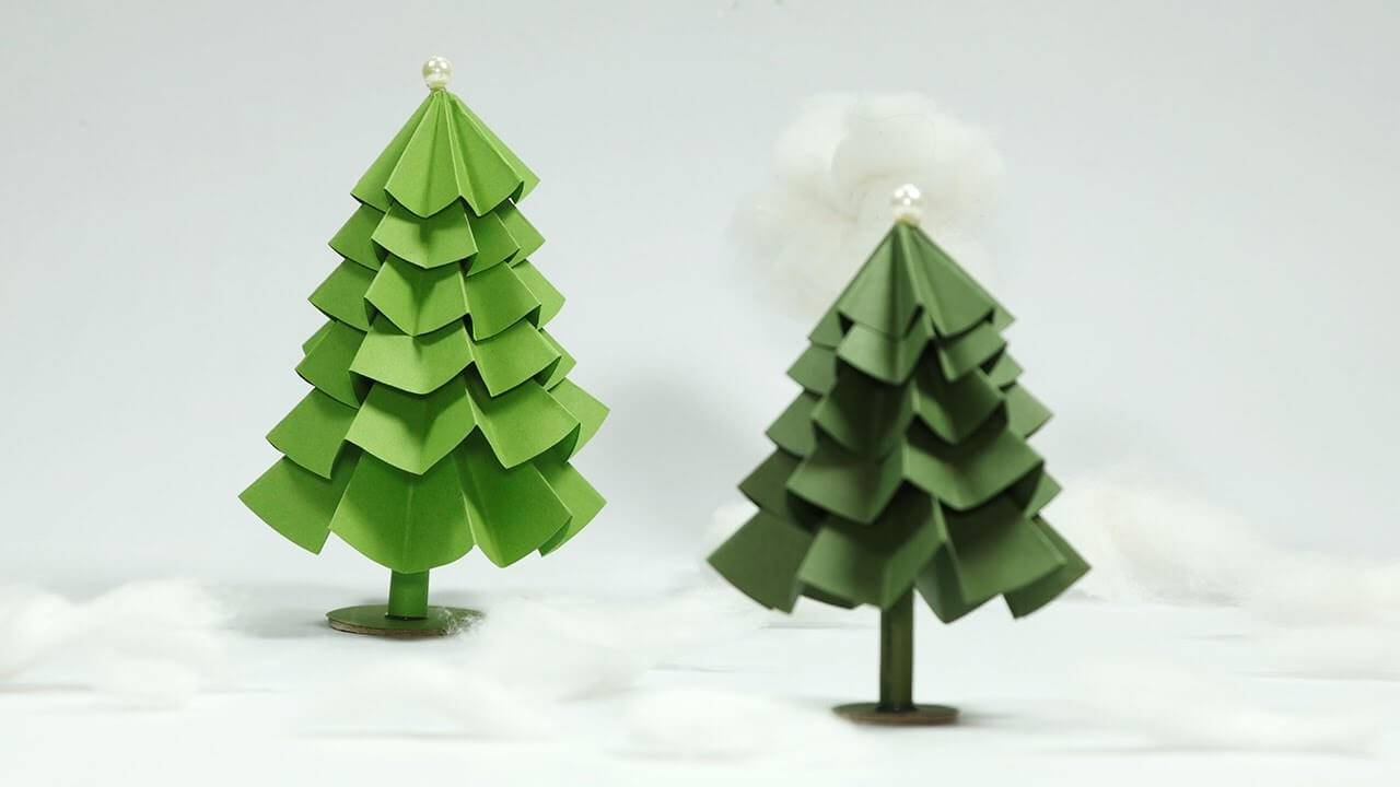 Artesanato de Natal arvore artesanal de papel verde
