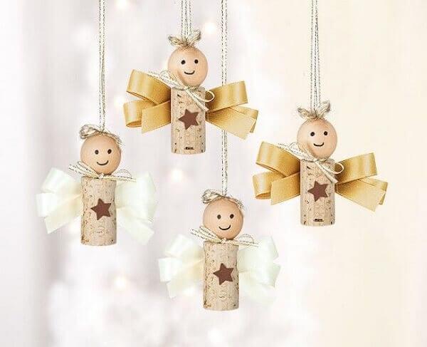 Artesanato de natal anjo de rolhas